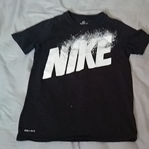Its a black nike shirt